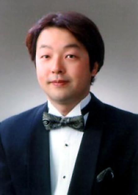 Photos: 岡本泰寛 おかもとやすひろ 声楽家 オペラ歌手 テノール Yasuhiro Okamoto