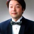 写真: 岡本泰寛 おかもとやすひろ 声楽家 オペラ歌手 テノール Yasuhiro Okamoto