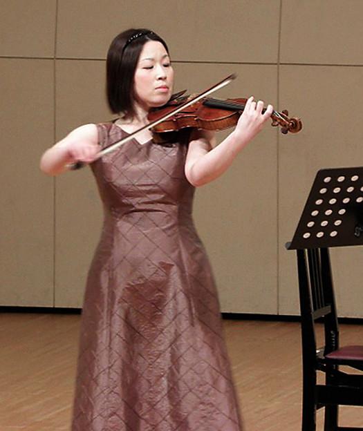 写真: 石川めぐみ いしかわめぐみ ヴァイオリン奏者 ヴァイオリニスト Megumi Ishikawa