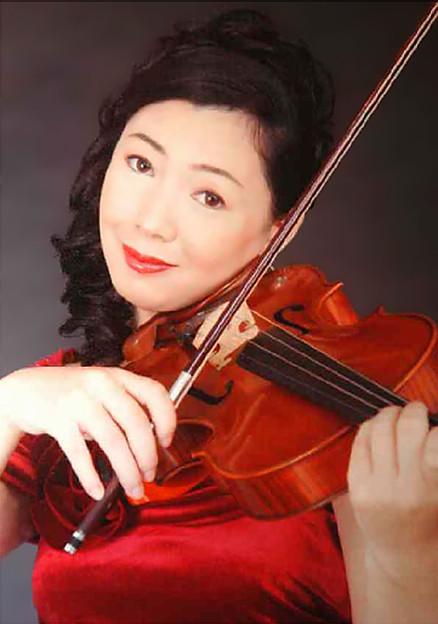 Photos: 上原恭子 うえはらきょうこ ヴィオラ奏者 ヴィオリスト     Kyoko Uehara