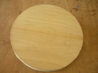 木工スツール(1)