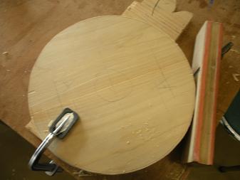 木工スツール(2)