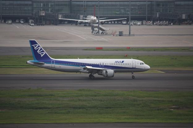 ANA エアバスA320-200 JA8654