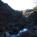 写真: 袋田の滝 川