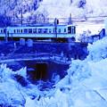 西武電車 VS 氷柱