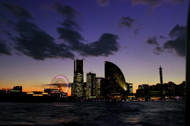 Yokohama Twilight Cruising (Under The Spell)
