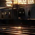 夕陽の当たる駅