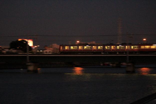 Photos: 夜汽車のごとく