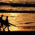 写真: Sunset Waves