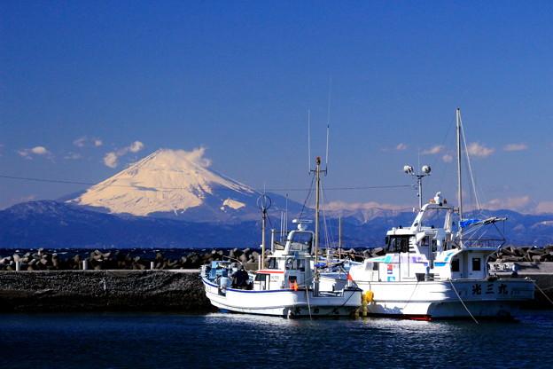 富士の見える漁港