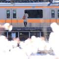 春の電車待ち