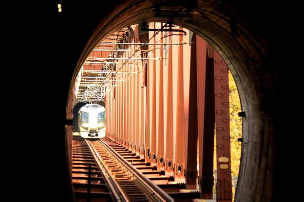 トンネル抜けたら…
