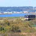 Photos: 湖畔列車