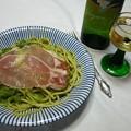 春野菜と生ハムのパスタとワイン