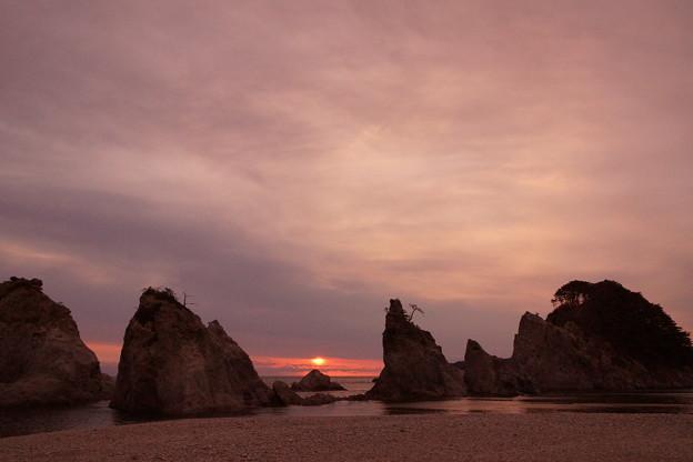日の出の浄土ヶ浜