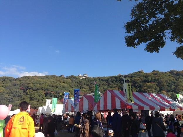松山城の麓