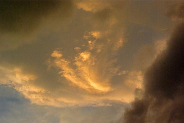 写真00043 四番館の上には台風のような雲が