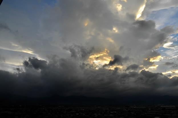 写真00004 押し寄せてくる雨雲