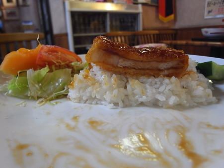 和可山食堂 ソースカツ丼 汁付き 断面図
