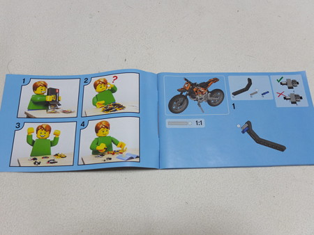 LEGO TECHNIC 42007 モトクロスバイク 説明書の様子