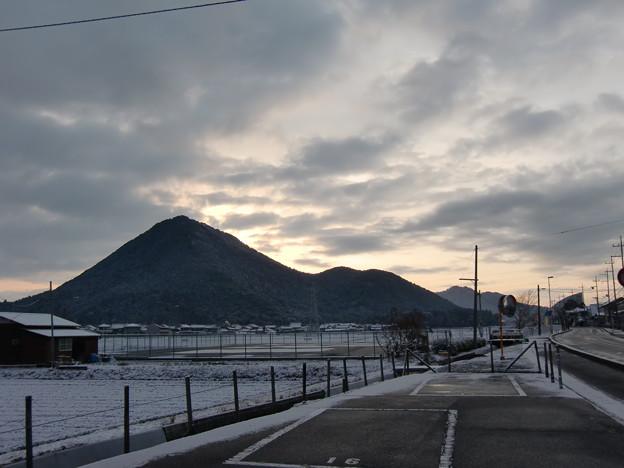 三上山の朝景色_13_02_CIMG6208