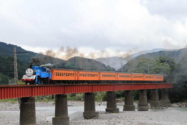 SL機関車トーマス@川根温泉笹間渡