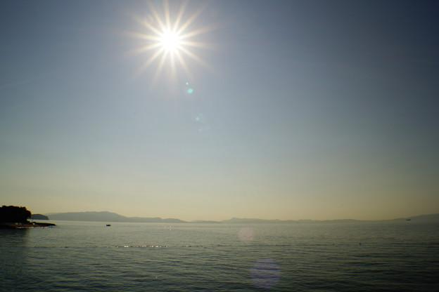 島を観る(汽船乗り場から)