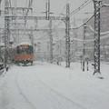 雪に埋まる鉄路