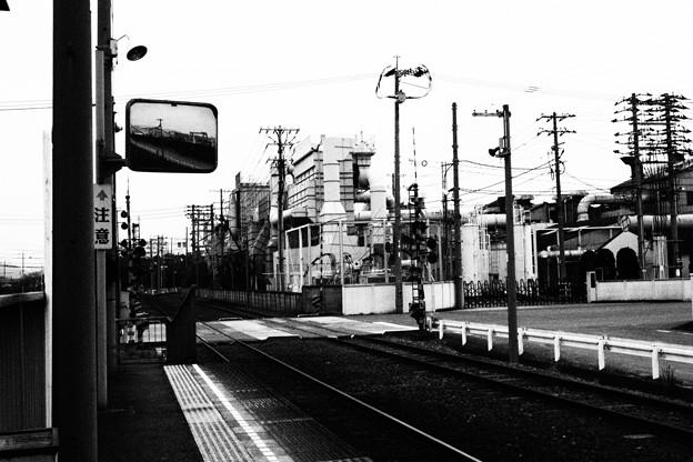 水島臨海鉄道 三菱自工前駅より 白黒撮影