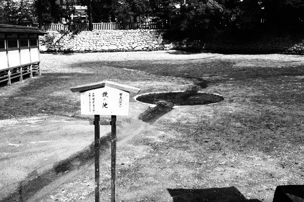 宮島 厳島神社「鏡の池」白黒撮影
