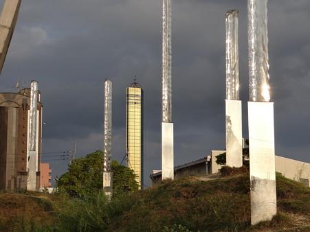 輝く分光器とゴールドタワー