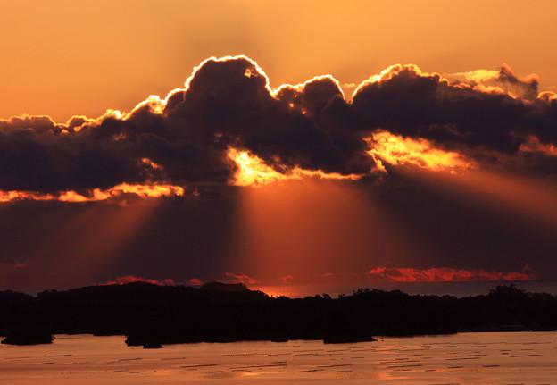 写真: 美妙な光芒