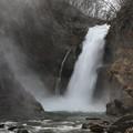 写真: 秋保大滝の大迫力