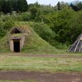 写真: 縄文時代の村への旅