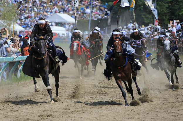 Photos: 騎馬武者の勇猛疾走