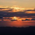 写真: 月山の夕暮