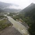 写真: 雨降る常願寺川