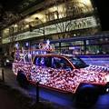写真: サンタが車でやって来た