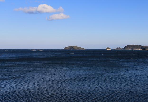 写真: 青々した海原