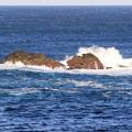 写真: 打ち寄せる波