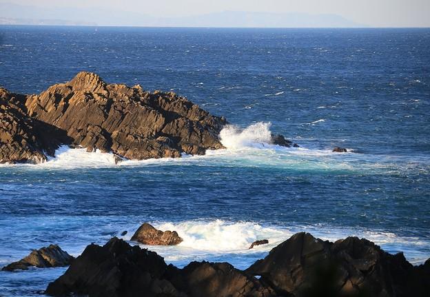 写真: 荒々しい南三陸の岬