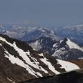 写真: 蔵王から眺める峰々