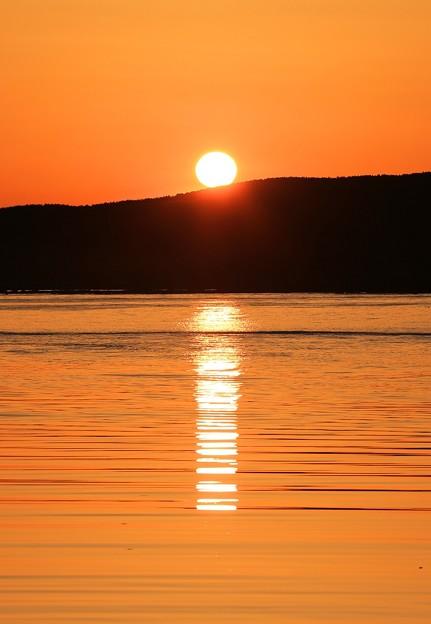 写真: 日本海の日の出