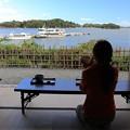写真: 松島で茶を味わう