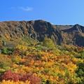 写真: 秋化粧した栗駒山