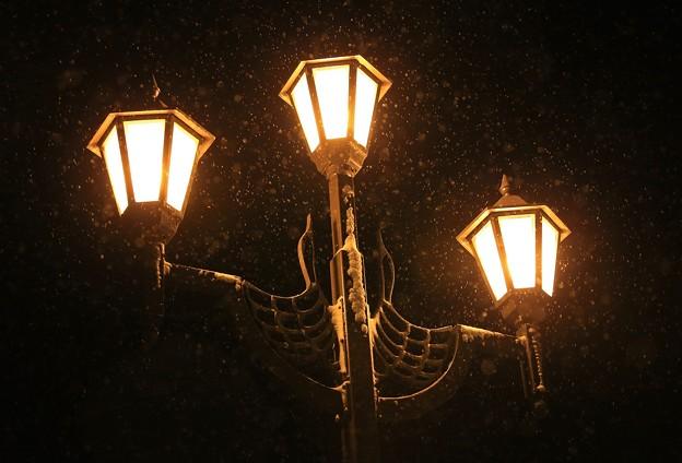雪降る北の灯り