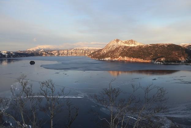 神秘的な神の湖