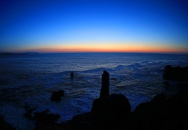 写真: 黎明の唐桑半島