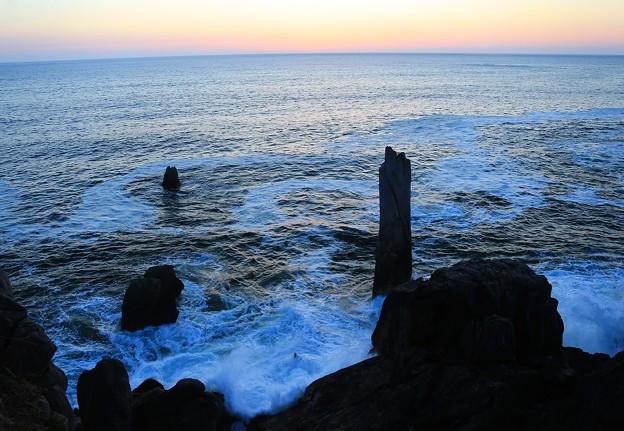 写真: 折石の早朝の風光