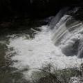 写真: 轟く滑津大滝